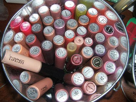 www.makeupandbeautyblog.com