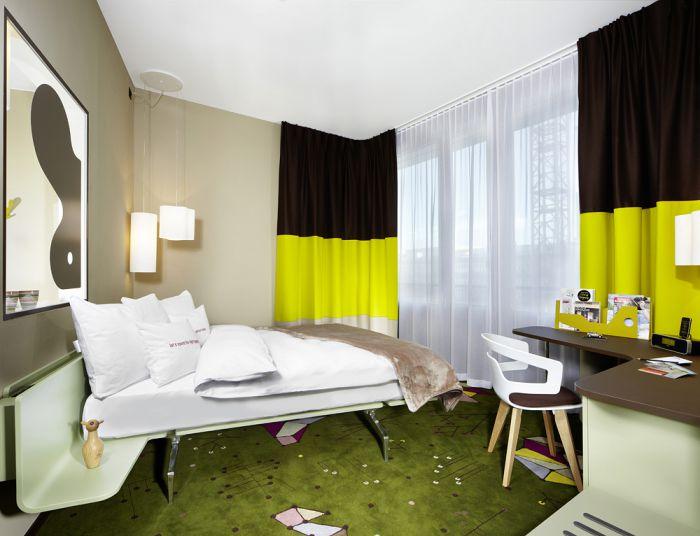 www.25hours-hotels.com