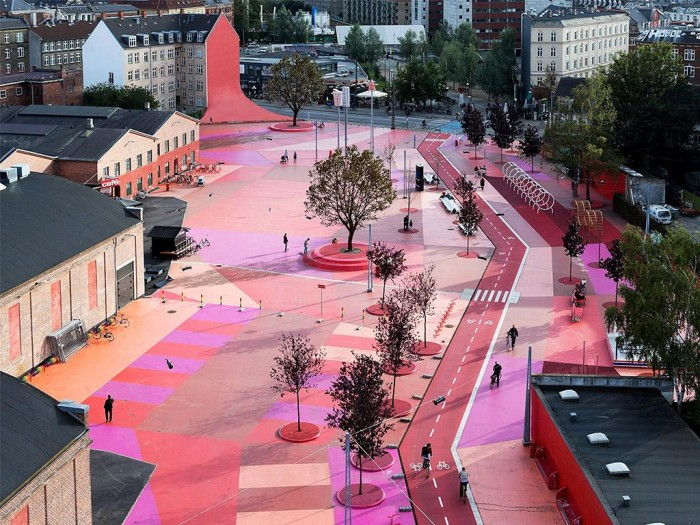 www.miesarch.com/Superkilen/foto: AERIAL VIEW OF THE RED SQUARE©IWAN BAAN