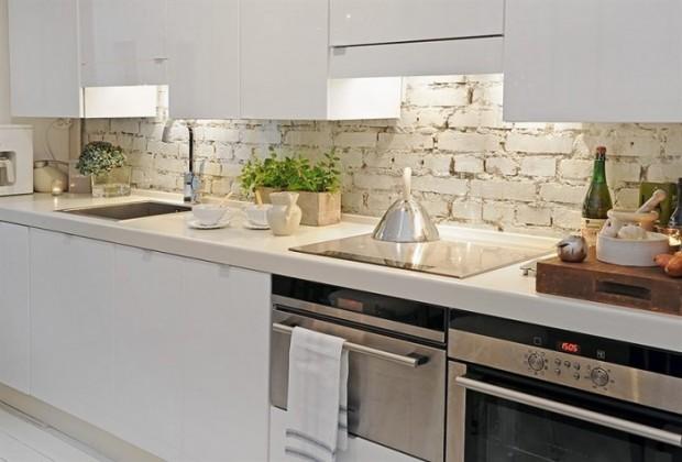 Ciana w kuchni mieszkaniowe inspiracje for Color credence cocina blanca