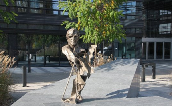 pomnik Stefana Kuryłowicza
